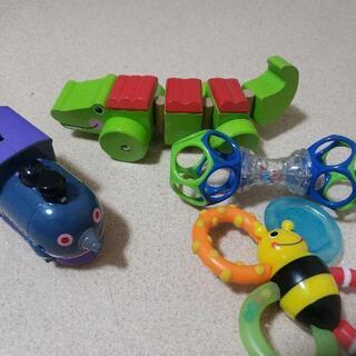 赤ちゃんのおもちゃ4点セット フィッシャープライス サッシ…