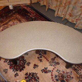 デザインテーブル たて約45㎝ × よこ約120cm