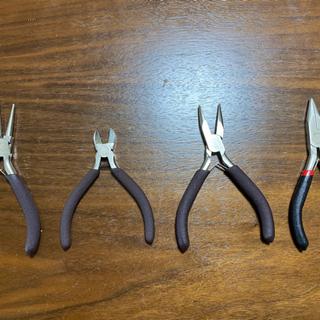 工具4点セット(丸ヤットコ、平ヤットコ、ニッパー)