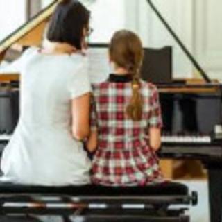 ピアノレッスンPiano lesson in English
