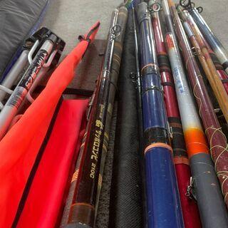 【大量】釣り竿 まとめ売り SHIMANOバッグ付き イロイロ 海釣り 川釣り 早いもの勝ち! 配送OK - 売ります・あげます