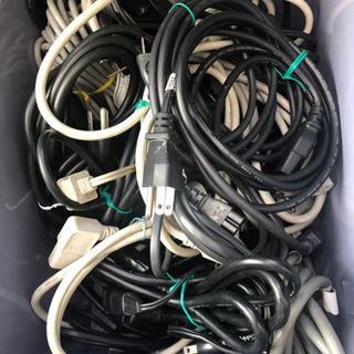 電源コード 多種あります。1本 400円