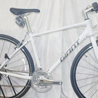 「新車」在庫1台限り。クロスバイクのご紹介②/GIANT ESC...