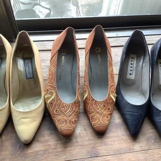 23〜23.5㌢の靴2足セット、必要な方にお譲りします。
