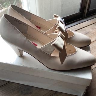 KENZOの靴、リボンが可愛いですよ。
