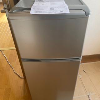 冷蔵庫★2015年式★AQUA★AQR-111D(S)★109L★2ドア冷凍冷蔵庫☆右開き アーバンシルバー 耐熱100℃テーブルの画像