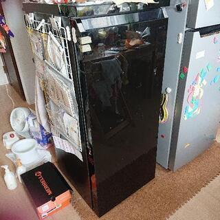 ノンフロン冷凍庫  冷蔵庫  2018年製造