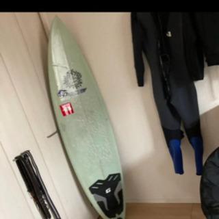 【ネット決済】サーフボード ウェットスーツ フィン付き