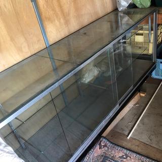 ガラスのサンプルケース