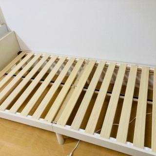 【白の木製シングルベッド】組み立て式