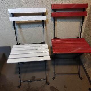 テーブル、椅子2個、外用です