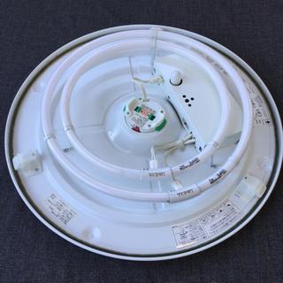 【ネット決済は間違いです。】中古 2012年製 シーリングライト 8畳 幅55.8  奥行55.8  高さ12.5  (cm) 蛍光灯  サークライン 部屋の照明 リモコン - 羽島市