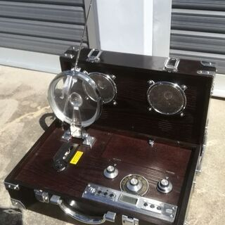 アタッシユケース型CD プレーヤ/AMFM ラジオ