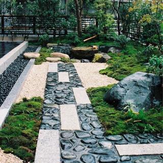 個人様の屋敷の手入れに特化した庭師です 現場経験20年の庭師が最...