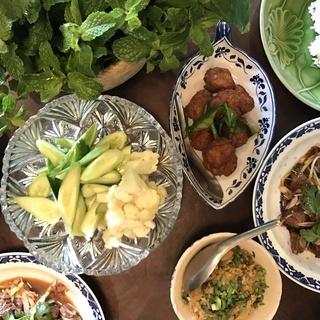 アベクミコさんの美しきタイ料理の世界を学ぶ ~タイ家庭の台所~