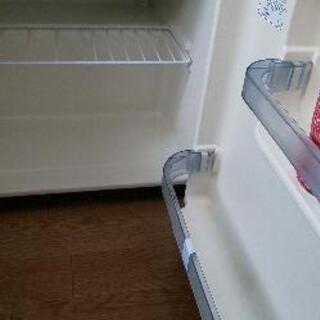 小型冷蔵庫早くとりにきて頂ける方無料です。 − 兵庫県