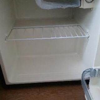 小型冷蔵庫早くとりにきて頂ける方無料です。 - その他