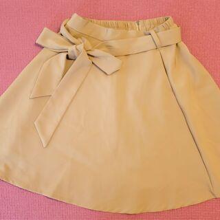 ベージュきれいめスカート