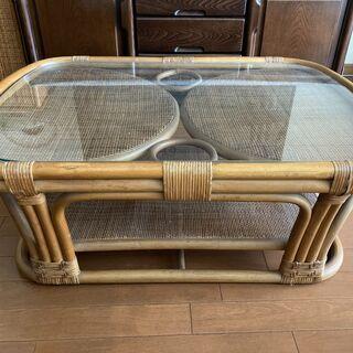 籐のローテーブル