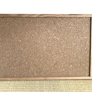 コルクボード(60cm x 40cm)