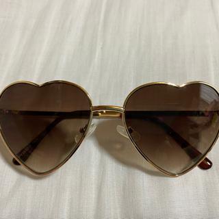 ハート♡型のサングラス