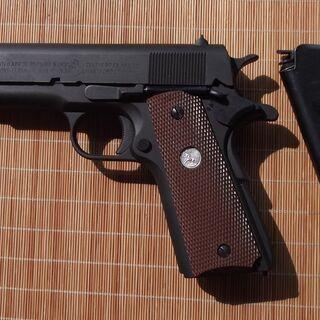 モデルガン1銃プラスおまけ1銃
