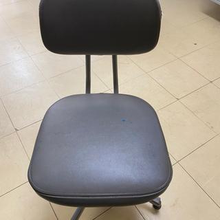 キャスター付き椅子 0円