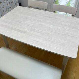 定価5万円程度 ニトリのダイニングテーブル4点セット