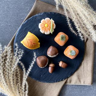 季節を愉しむ和菓子作り 〜秋を模る練り切りと州浜〜