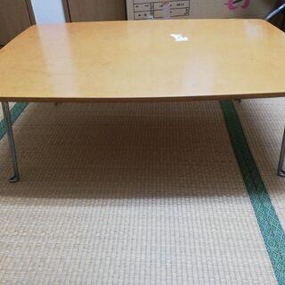 テーブル茶色