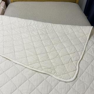 ベッドカバー 敷パッド