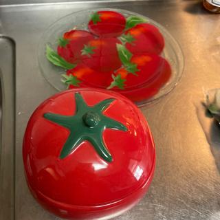 【ネット決済】トマトの入れ物とお皿