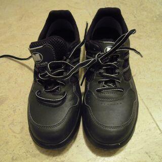 中古安全靴(ワイド樹脂先芯搭載安全作業靴) サイズ 24、5