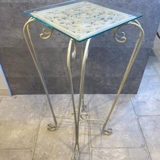 ホワイトアイアンサイドテーブル