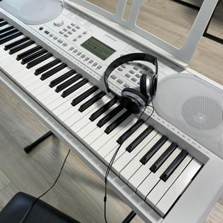 受け渡し予定者おります。鍵盤本体+台+椅子+イヤホンのセット