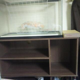 茶色のテレビ台