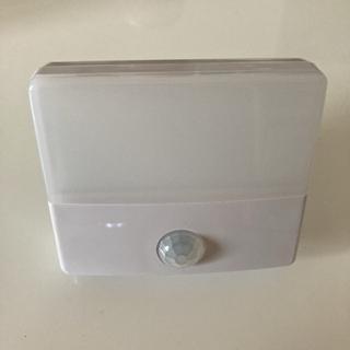 室内用人感センサー付きLEDライト