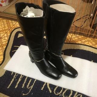 一度使用しただけのブーツ(Lサイズ)24cm