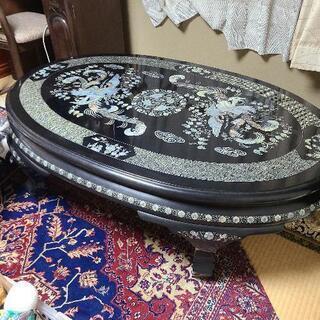 螺鈿のテーブル