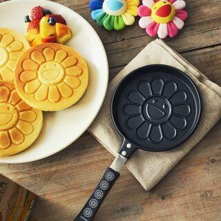smart4月号付録 / 村上隆さんの「お花パンケーキパン」
