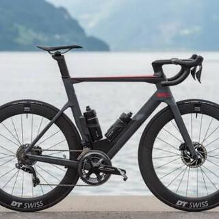 自転車のタイヤを組める方!