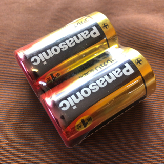 未開封のアルカリ乾電池(単1形)