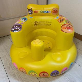 アンパンマンお風呂もお部屋も使える赤ちゃんイス
