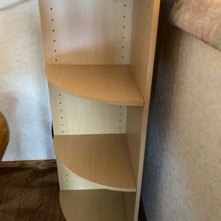 部屋のコーナーに置きやすい棚
