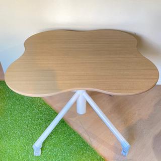 【値下げしました】テーブル(雲形,キャスター付き)の画像