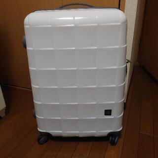 (決まりました)一週間用スーツケース・白