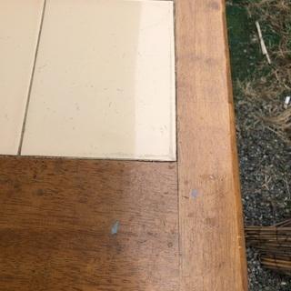 タイル貼りダイニングテーブル − 東京都