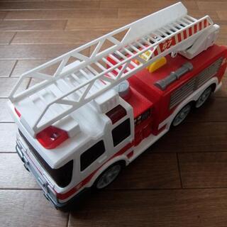 【受付終了】音の出るおもちゃ 消防車 はしご車