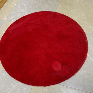 赤いラグマット