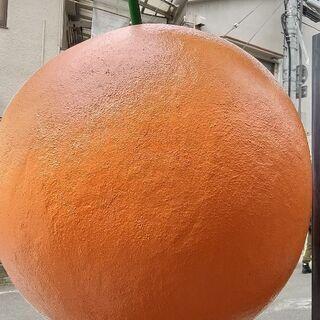 オレンジ球体オブジェ